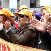 Στους δρόμους οι εργαζόμενοι σε δημόσιο και ιδιωτικό τομέα