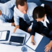 Αυξήσεις στην εργασία, μειώσεις στους μισθούς