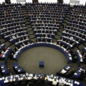 Ευρωκοινοβούλιο: Kαταπέλτης για τον ρόλο της τρόικας στην κρίση