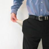 Νέο σοκ! Χάνουν άλλον ένα μισθό οι Δημόσιοι Υπάλληλοι – Στο μισό το αφορολόγητο των Επαγγελματιών και αύξηση στο φόρο