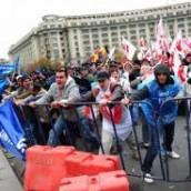 Σοβαρά επεισόδια στη διάρκεια αντικυβερνητικών διαδηλώσεων στη Ρουμανία