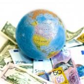H παγκόσμια οικονομία πλησιάζει την ύφεση